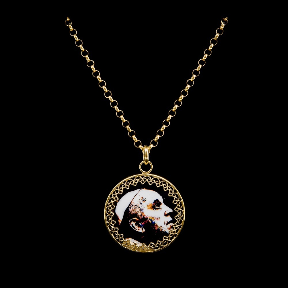 Necklace Pope Francisco, Silver Gold plated, Paint Santiago Belacqua