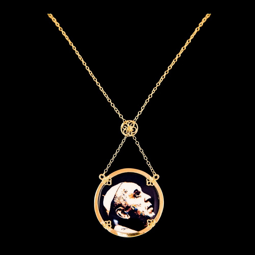 Necklace Pope Francisco, Silver Gold plate, Paint Santiago Belacqua