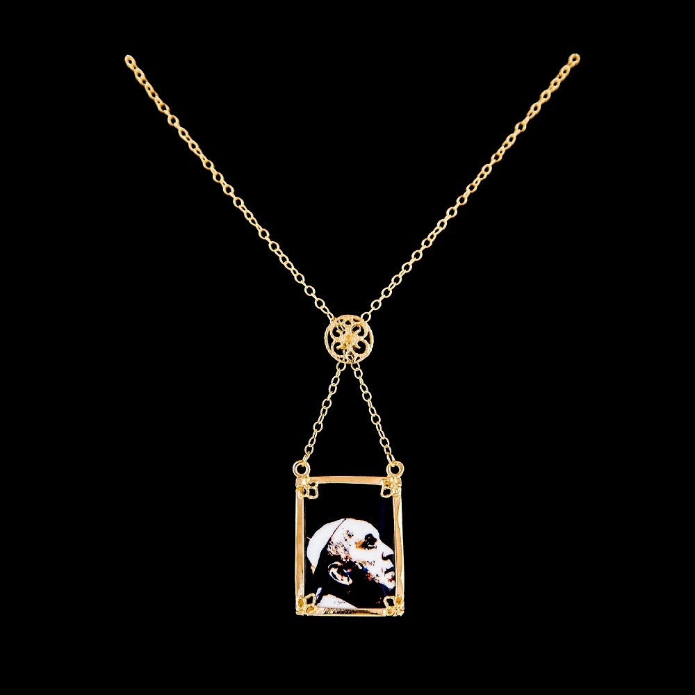 Necklace Scapular Pope Francisco, Silver Gold plated, Paint Santiago Belacqua.